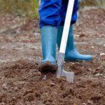 копать огород вручную