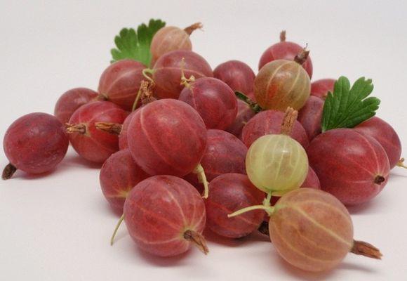 ягоды на столе